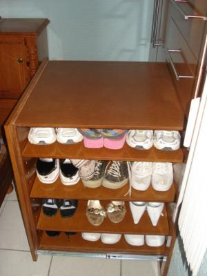 Pin closets con zapateras on pinterest for Zapateras de madera